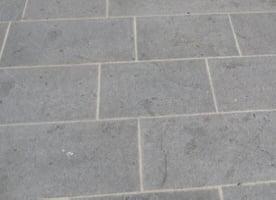 Dalles en pierre naturelles pour terrasse et jardin - Dalle en granit pour terrasse ...