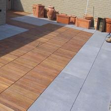 terrasse bois composite et pierre bleue. Black Bedroom Furniture Sets. Home Design Ideas