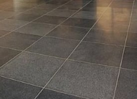carrelage granit pepperino dark adoucie