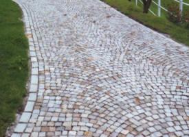 Pavé en pierre naturelle. Pavage grès, granit, kandla, platines ...