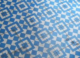 carrelage motif bleu tendance d co tuiles c ramiques. Black Bedroom Furniture Sets. Home Design Ideas