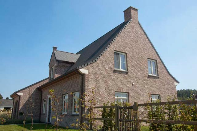 Brique de facade et plaquette de parement rustique vande for Brique facade maison