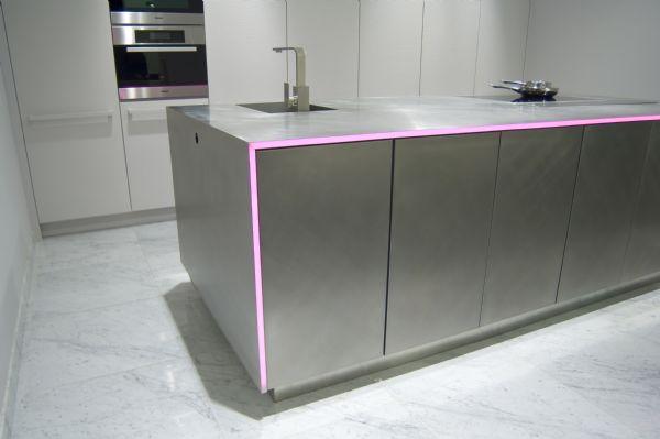 cuisine marbre blanc dosseret et plan de travail marbre pour la cuisine en ides with cuisine. Black Bedroom Furniture Sets. Home Design Ideas