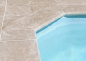 Margelle de piscine en Pierre Blanche et en Grès : France, Asie ...