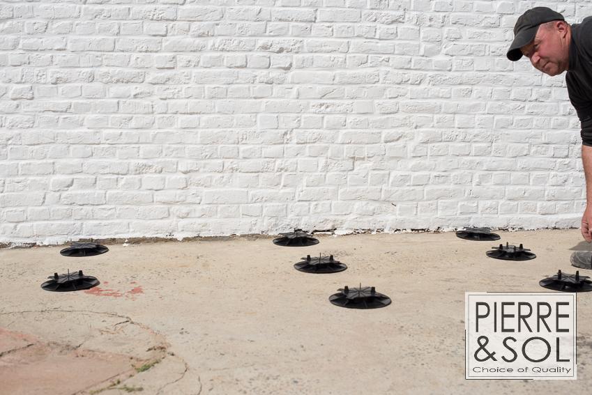 photos de plots pour terrasse dph buzon. Black Bedroom Furniture Sets. Home Design Ideas