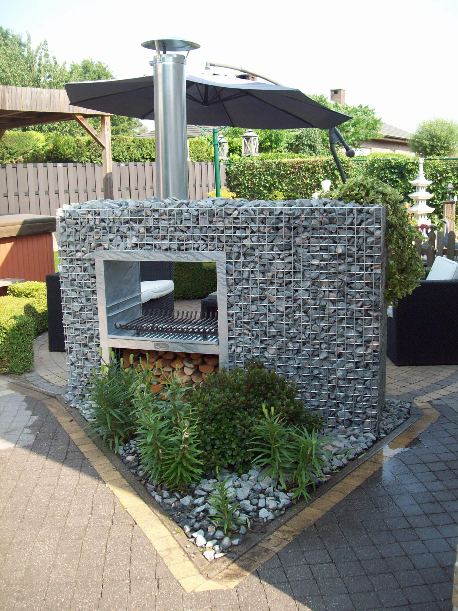 barbecues en gabion pierre et sol fournisseur et n goce. Black Bedroom Furniture Sets. Home Design Ideas