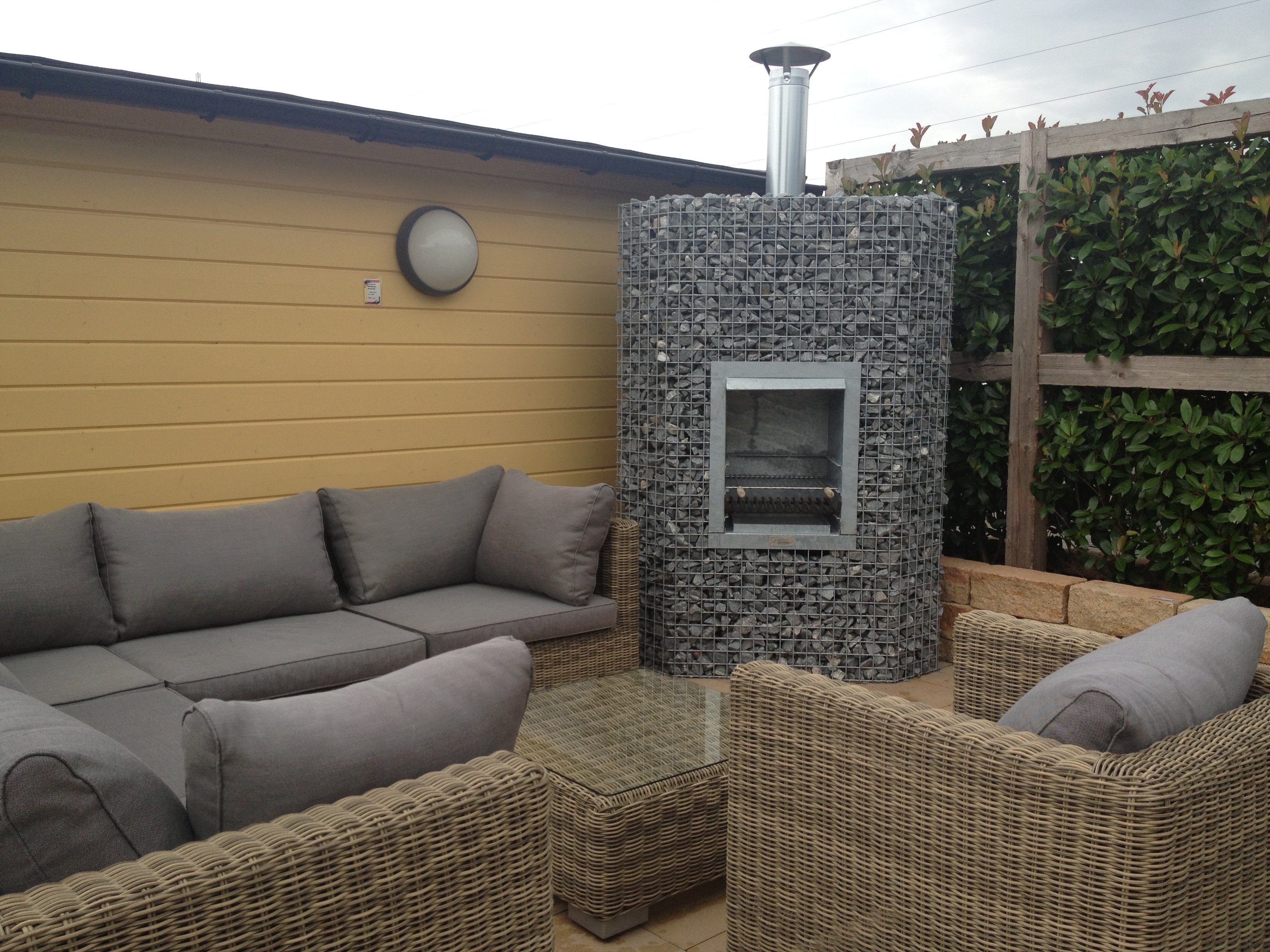 barbecues en gabion pierre et sol fournisseur et n goce online. Black Bedroom Furniture Sets. Home Design Ideas
