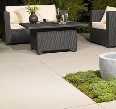 dalles de terrasse m ga en b ton. Black Bedroom Furniture Sets. Home Design Ideas