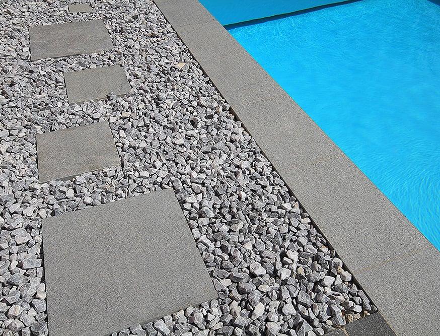 Margelle de piscine en Granit et en Basalt