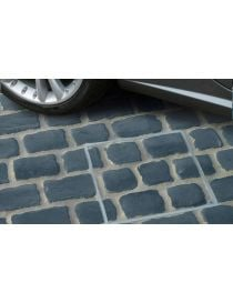 Cover to pave aluminum with lips