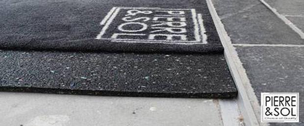 Recessed doormat